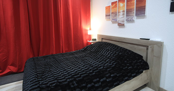 ferien in der provence ferienwohnung la cigale 20 m klima garten schwimmbad grill u v m. Black Bedroom Furniture Sets. Home Design Ideas